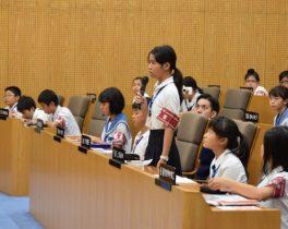 沖縄の小さな記者たちが世田谷区を取材!
