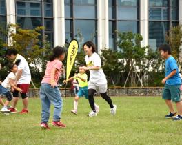 芝生×親子×遊び JUMP-JAM Park